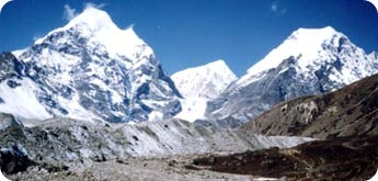 Makalu Region Trek